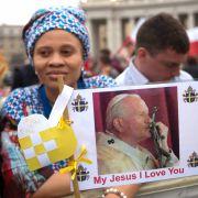 Jetzt ist Johannes Paul II ein Heiliger (Foto)