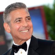 Adios, Junggeselle George Clooney?! (Foto)