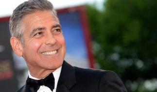 Sein Grinsen gehört jetzt nur noch einer: George Clooney ist wohl verlobt. (Foto)