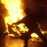 Steine, Straßenschlachten, Polizei: Warum Berlin  Hamburg brennen (Foto)