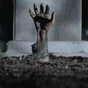 Das Unternehmen Zonajobs wirbt mit einer Zombie-Oma für die Wahl des richtigen Jobs.