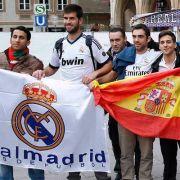 Die Real-Fans sind in München angekommen.
