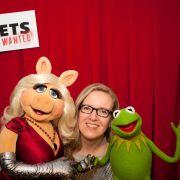 News.de-Redakteurin Susett Queisert traf Kermit und Miss Piggy zum Interview in Berlin.