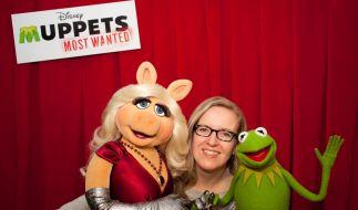 News.de-Redakteurin Susett Queisert traf Kermit und Miss Piggy zum Interview in Berlin. (Foto)