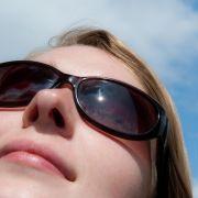 Von Farbe bis UV-Schutz: Die richtige Sonnenbrille finden (Foto)