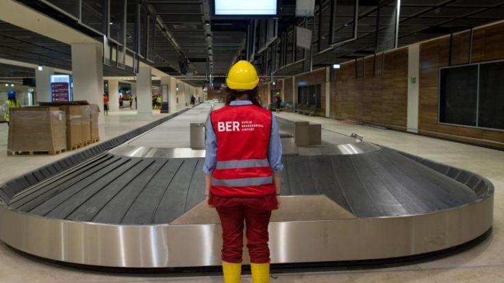 Hauptstadtflughafen muss Gepäckausgabe erweitern (Foto)