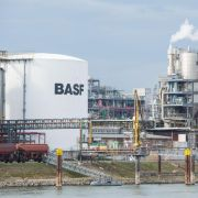 BASF hält trotz Einbußen an Prognose fest (Foto)