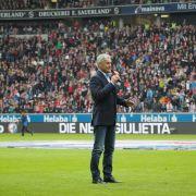 Emotionaler Abschied für Trainer Veh in Frankfurt (Foto)