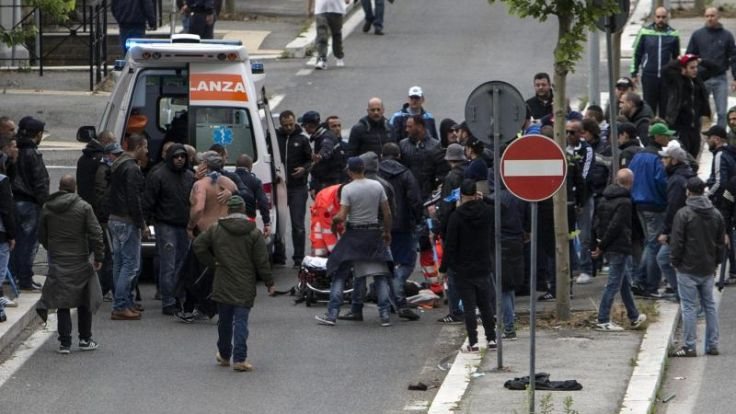 Fan-Attacke: Pokal-Finale in Rom verspätet angepfiffen (Foto)