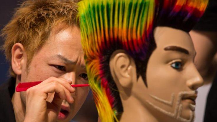 Friseure fönen, kämmen und sprayen sich zum WM-Titel (Foto)