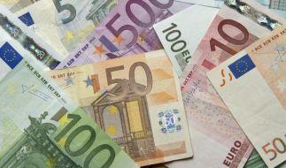 SPD-Politiker mahnen Gabriel: Steuerentlastungen nur gegenfinanziert (Foto)