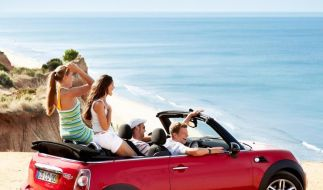 Mit einem Mietwagen ist man flexible und stets mobil - doch beim Abschluss des Mietvertrages gibt es einiges zu beachten. (Foto)