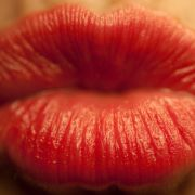 Kosmetik und Pflegeprodukte sollen uns schöner und gepflegter machen. Doch in vielen Produkten schlummern gefährliche Inhaltsstoffe.