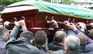 Erschossener Hamburger Schüler Diren in der Türkei beerdigt (Foto)