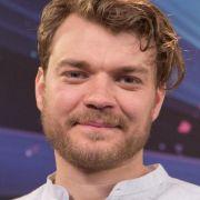 ESC-Moderator Pilou Asbæk verspricht eine große Party (Foto)