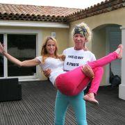 Alicia (rechts) und Nicole King sind nach Cannes ausgewandert.