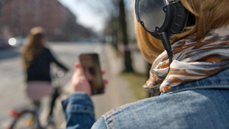 Unfallchirurgen warnen vor Kopfhörern im Straßenverkehr (Foto)