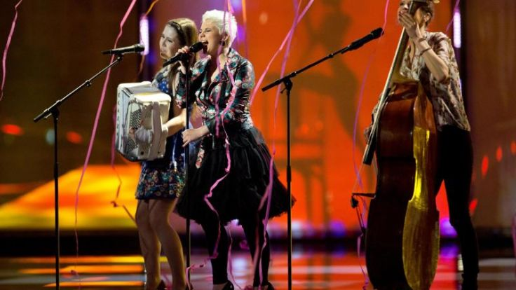 Elaiza singen in der ersten Hälfte der ESC-Show (Foto)