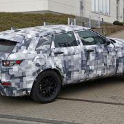 Erwischt: Erlkönig Jaguar SUV - Jaguar-Angriff auf Prosche-Tiger - Foto: Automedia