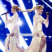 Der Finaleinzug der russischen Zwillinge Tolmatschewy Sisters mit «Shine» wurde von Buhrufen aus dem Publikum begleitet.