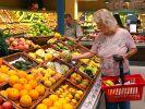 Einkauf im Supermarkt: Deutsche Verbraucher zahlen für ihr Leben deutlich mehr als der weltweite Durchschnitt. (Foto)