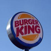 In mehreren Filialen der Fastfoodkette Burger King gibt es schwere Hygienemängel. Nun äußert sich Manager Andreas Bork.