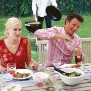 Fettige Speisen und Alkohol begünstigen Sodbrennen.