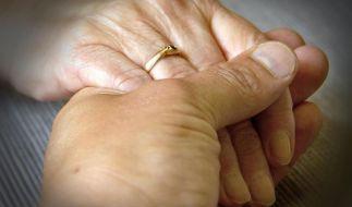 Trauernden Unterstützung anbieten - wie geht das? (Foto)