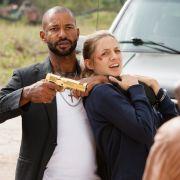 Gangster-Boss Cortez (Tyron Ricketts) nimmt Jessie (Annika Blendl) als Geisel. Wird es den «Cobra 11»-Kommissaren Semir und Alex gelingen die junge Frau zu retten?