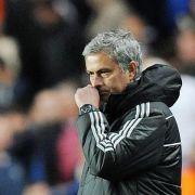 10 000 Pfund Strafe für Chelsea-Coach Mourinho (Foto)