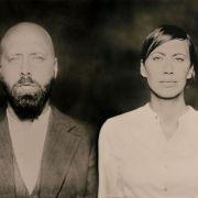 Eva und Philipp Milner besingen die Hassliebe zwischen Bruder und Schwester manchmal ganz explizit.