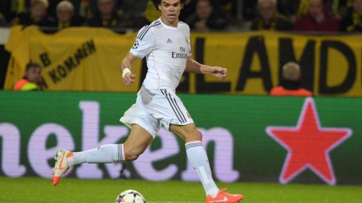 Real Madrid bangt vor Finale um verletzten Pepe (Foto)