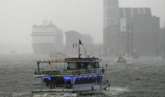 Glockenschläge läuten 825. Hafengeburtstag ein (Foto)