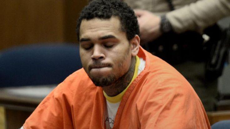 Haft für Chris Brown nach Verstoß gegen Bewährungsauflagen (Foto)