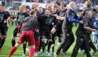 Paderborn steigt in Bundesliga auf - Dynamo muss runter (Foto)