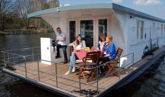 Auf Wellen gebettet: So gelingt der Urlaub auf dem Hausboot (Foto)