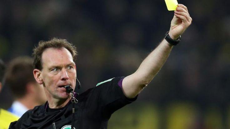 Schiedsrichter Meyer leitet Pokalfinale (Foto)