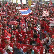 Thailands Regierung besteht auf Wahlen (Foto)