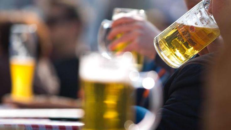 Hoher Alkoholkonsum in Deutschland - besonders bei Männern (Foto)