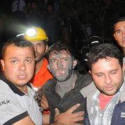 Hunderte Kumpel sterben in den Flammen (Foto)