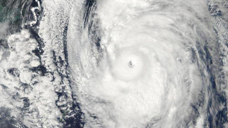 Tropische Wirbelstürme zieht es in Richtung Pole (Foto)