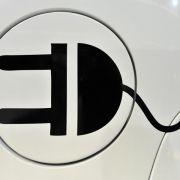 Erste Ladestationen für Elektroautos an Autobahnen (Foto)