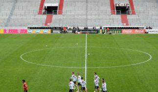 Pauli: DFB entschuldigt sich für Abdecken von Banner (Foto)
