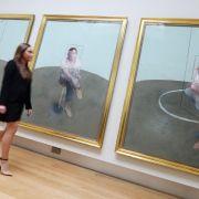 Zeitgenössische Kunstwerke stehen bei Sammlern in aller Welt hoch im Kurs.