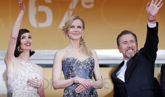 Um sie herum wird gelacht und gewunken - nur Nicole Kidman kann irgendwie nicht. (Foto)