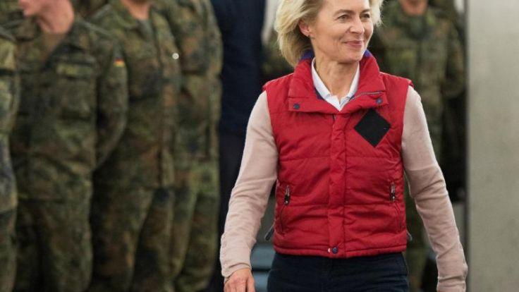 Von der Leyen: Kosovo-Intervention war nicht völkerrechtswidrig (Foto)