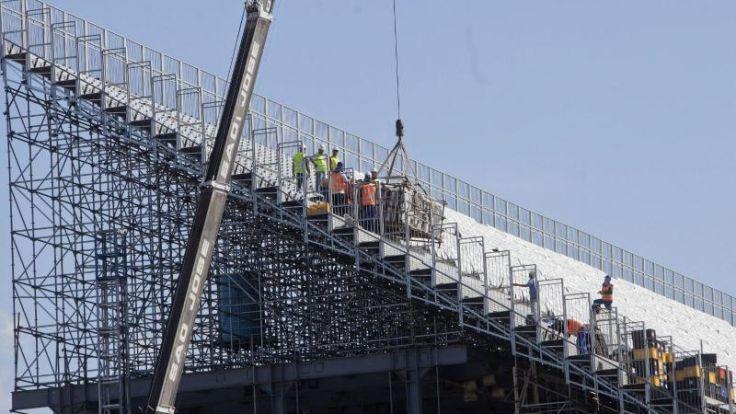 Staatsanwaltschaft droht Eröffnungsstadion mit Baustopp (Foto)