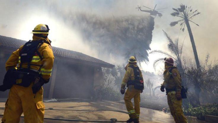 Ein Toter bei Buschbränden in Kalifornien (Foto)
