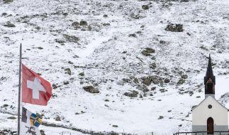 Kurzer Wintereinbruch:Noch nicht alle Alpenpässe geöffnet (Foto)