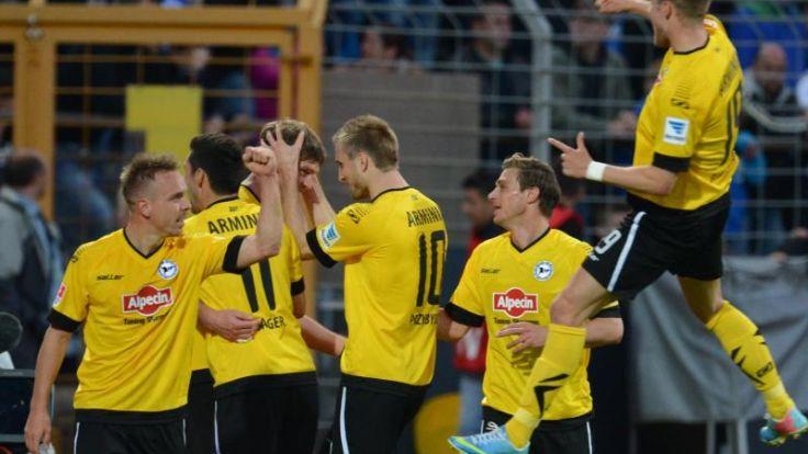 Bielefeld darf nach 3:1 auf Zweitliga-Verbleib hoffen (Foto)